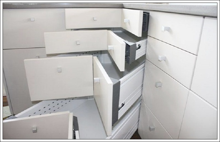 kullanışlı mutfak dolapları nasıl olmalı,mutfak çekmeceleri nasıl düzenlenir,mutfak dolabı iç düzeni,dolap düzenleme fikirleri